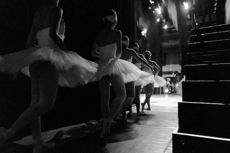 how much should a ballet dancer weigh